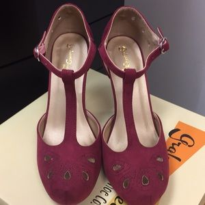 Burgundy pumps with T strap